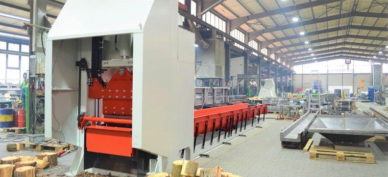 Huber Technik Scherautomat mit Vibrationsrinne